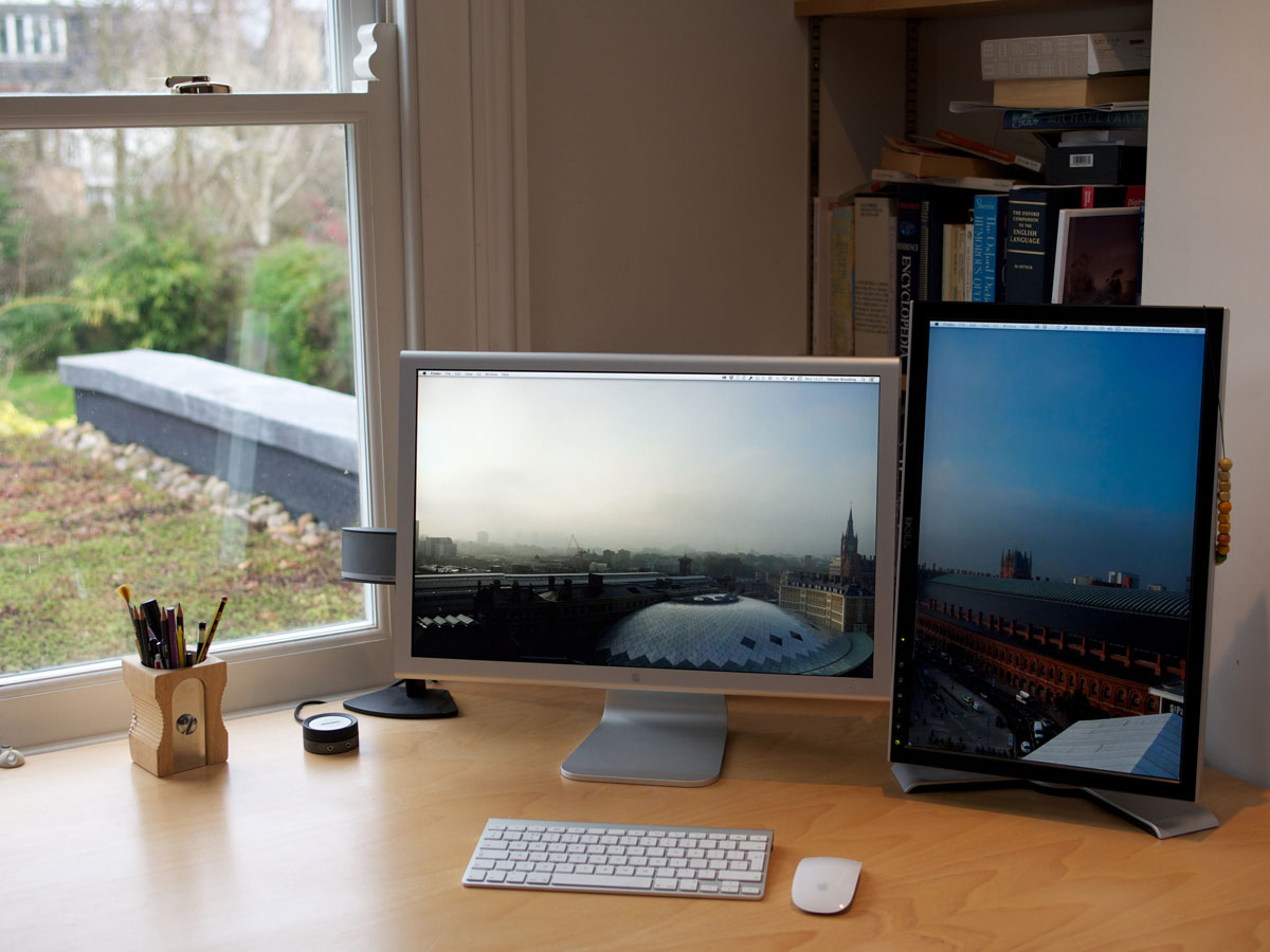 Steven Wooding's home desk