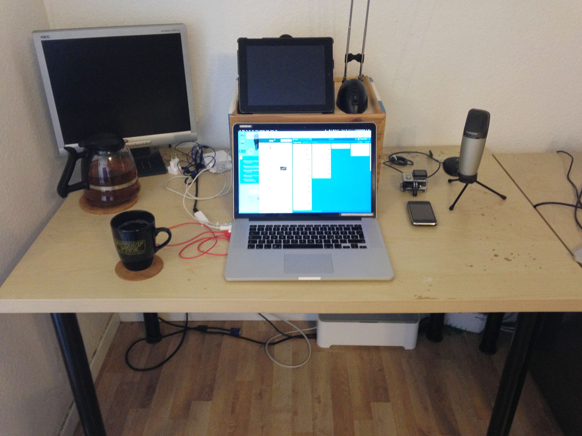 Andreas Zeitler's home desk
