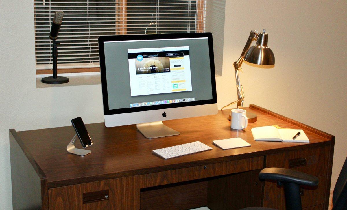 Jonathan Buys' desk