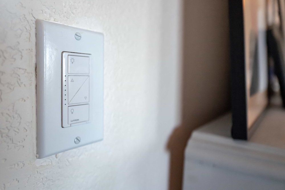 A review of the Lutron Caseta dimmer smart switch – The