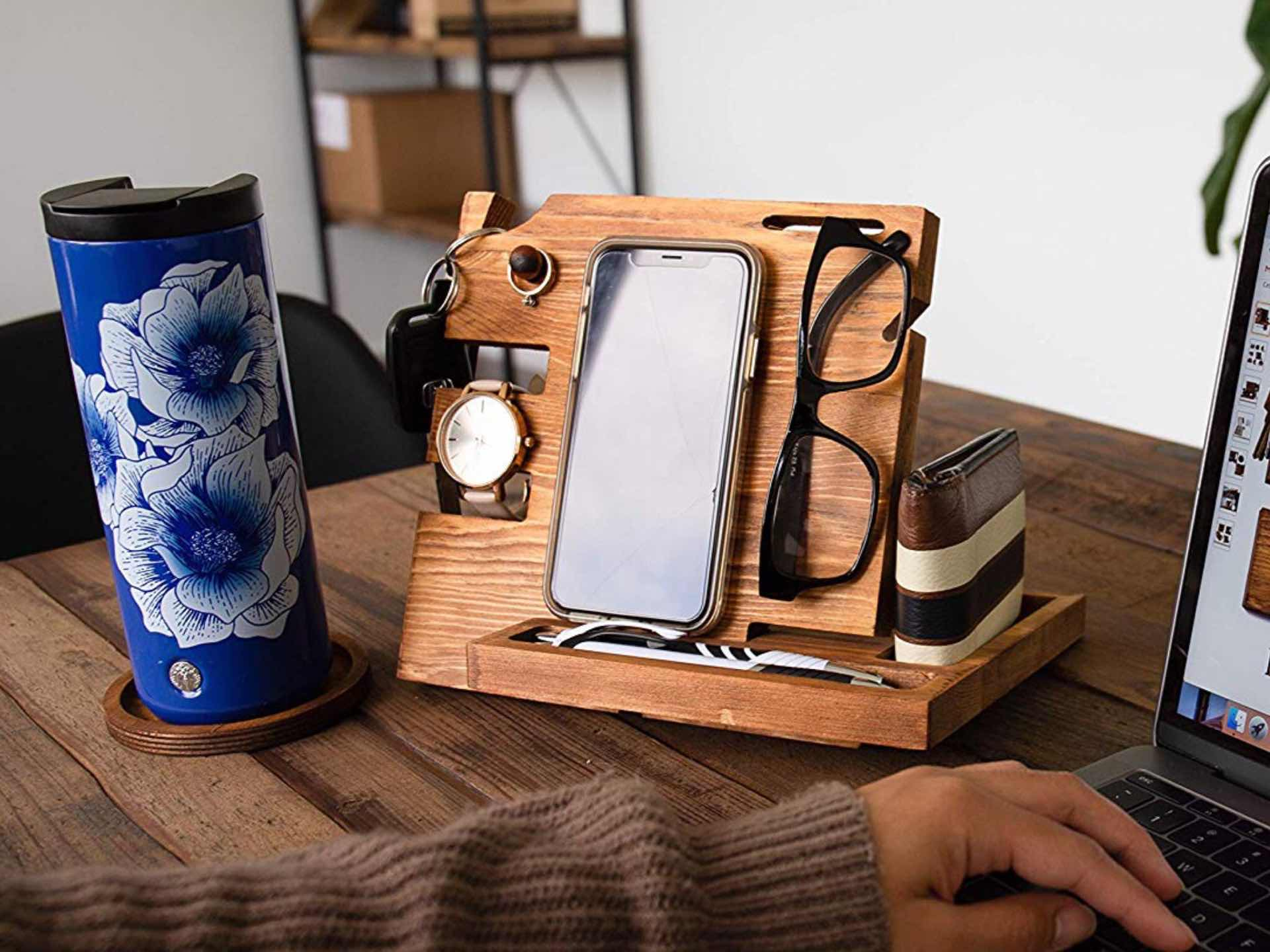 Peraco Wooden Docking Station